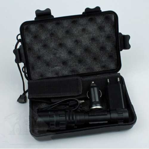 Tactical flashlight in storage box 6000 lumen, rechargeable battery